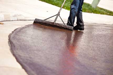 sealcoating contractor in portland OR - asphalt repair by Hal's Construction in Tualatin and Gresham Oregon