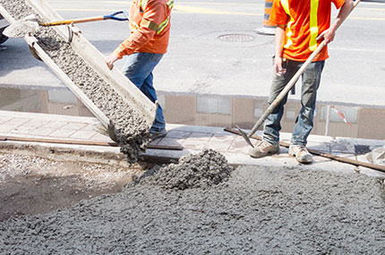 commercial paving services in portland OR - asphalt repair by Hal's Construction in Tualatin and Gresham Oregon
